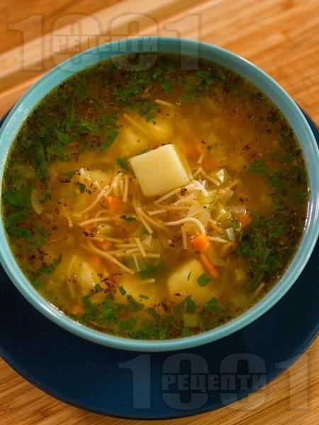 Постна зеленчукова супа / чорба с картофи, моркови, чушки и лук по селски - снимка на рецептата